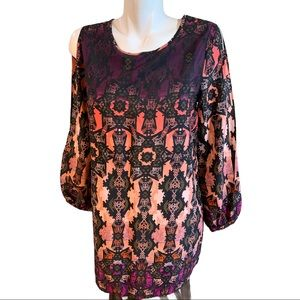 Romeo Juliet Couture Cold Shoulder Tunic Top Small